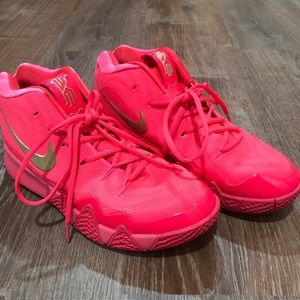 """Kyrie 4 """"Red Carpet"""" Men's Basketball Shoes"""
